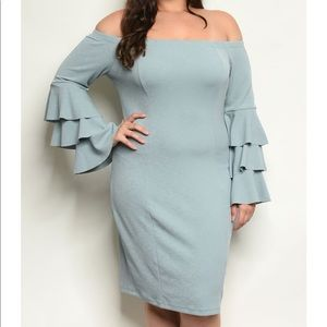 NWT Off the Shoulder Tiered Sleeve Dress (PLUS) 3X